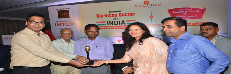 IGMPI is conferred with ASSOCHAM Services Excellence Award 2017: Our Directors Mr Syed S. Abbas & Mrs Rafat Abedi, Chief Advisor Dr Mahesh Gupta, Advisor Mr Amitabh Srivastava are being honoured by the Chief Guest & Honorable Member of Parliament Dr. Udit Raj